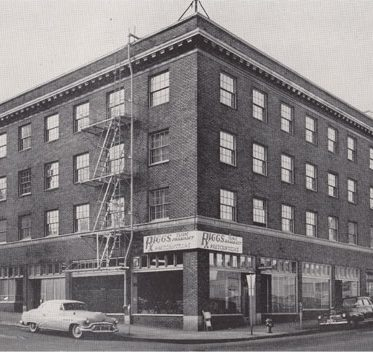 An historic photo of the former Roseland Hotel.